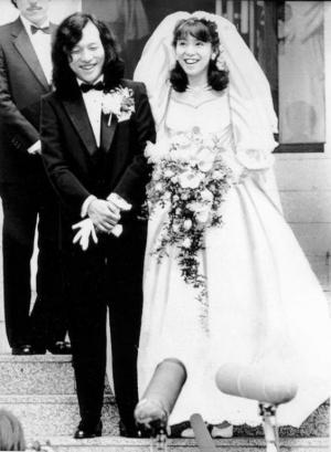 竹内まりや結婚式画像