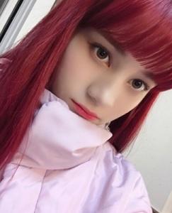ニナの髪色が黒に戻った?ニナの過去の髪色変化(NiziU日本でのプレデビュー後の赤い髪色画像)