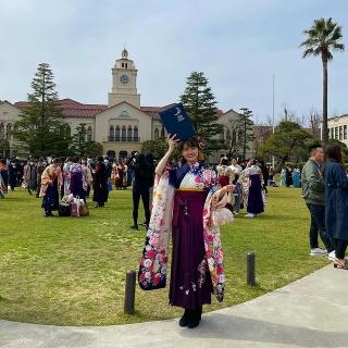 紀平萌絵関西学院大学卒業式の画像