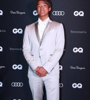 五十嵐カノアのGQ授賞式画像