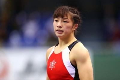 川井梨紗子の妹・友香子の画像