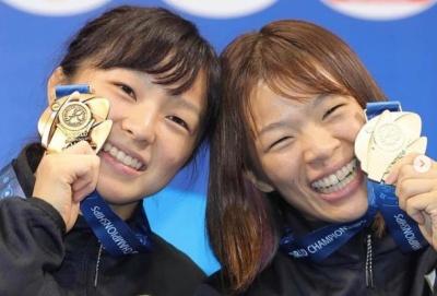 川井梨紗子と妹友香子の画像
