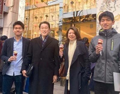 岸田文雄と夫人はいつから別居している?画像